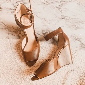 Vince Camuto marnie brown peep toe leather shoes